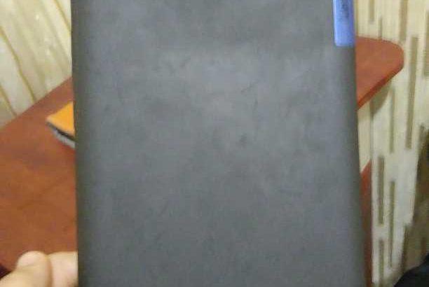 Продам планшет Lenovo в Тирасполе +чехол стоимость 3000 рублей