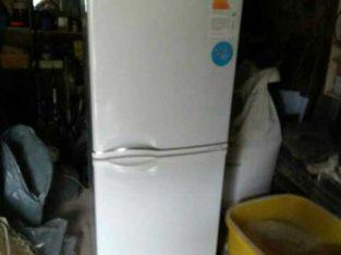 Продам 2х камерный холодильник LG в отличном состоянии.