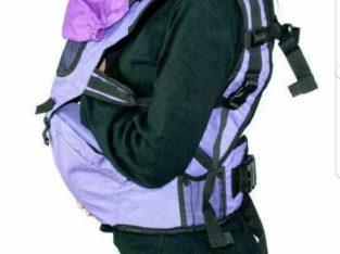 Продам рюкзак-кенгуру для переноски ребенка.