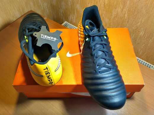 Продам футбольные бутсы Nike Tiempo !