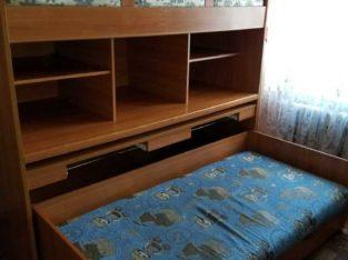 Продаю двухъярусную ,польскую кровать, чистое дерево