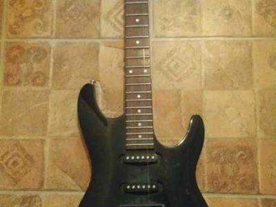 Продам электро гитару