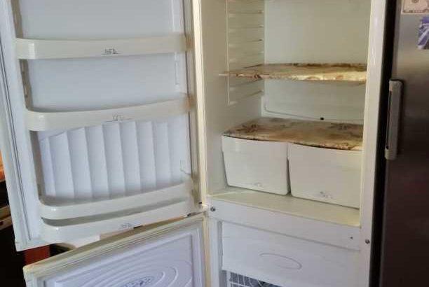 Продам  б/у двухкамерный холодильник