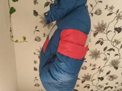 Продам зимнюю куртку на мальчика 9-10 лет
