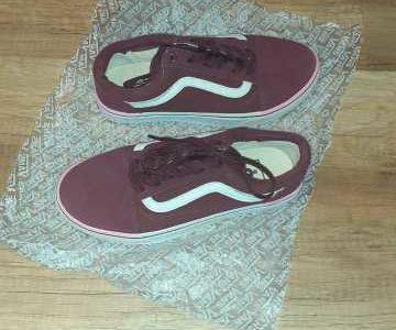 Кеды Vans 38 размер 450 лей + носки в подарок