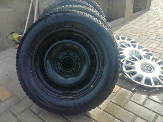 Продаю Зимние колёса