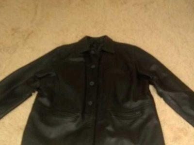Продаю куртку из натуральной кожи , размер XL