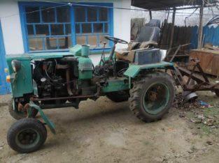 Продам срочно трактор