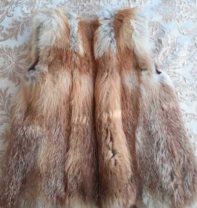 Продам меховую жилетку из натуральной лисы.