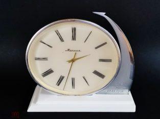 Часы настольные механические СССР Молния Восток-1 12.04.1961