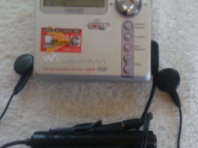Продам минидисковый плеер Sony