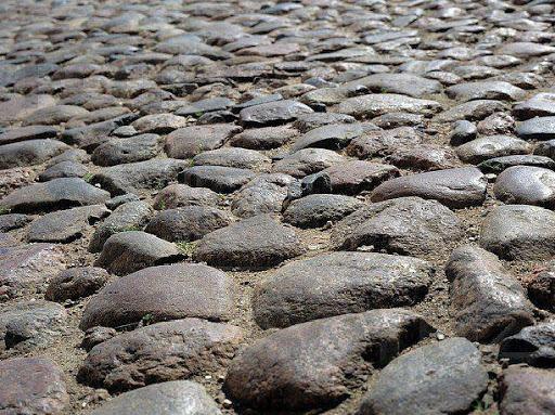 Каменщик на укладку булыжного камня в Финляндию