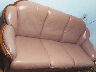 Продам кожный диван