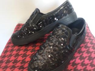 Продам туфли детские новые 37 размер