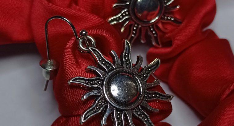 Интернет магазин бижутерии , кольца, серьги, ожерелья..и про