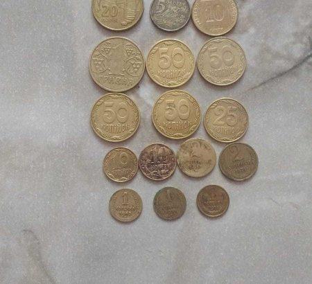 Продаю монеты разные.