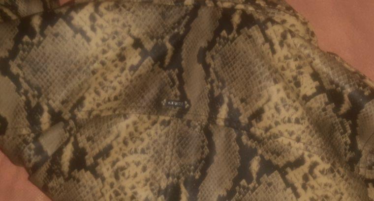 Курточка фирменная Guess