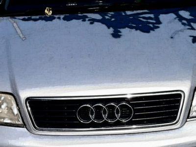 Vând o mașină în stare bună Am nevoie urgentă de bani 3100 €