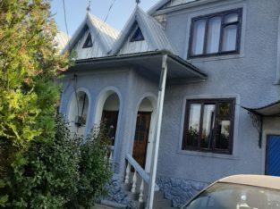 Продаеться дом в г.Бричень со всема удобствамии .